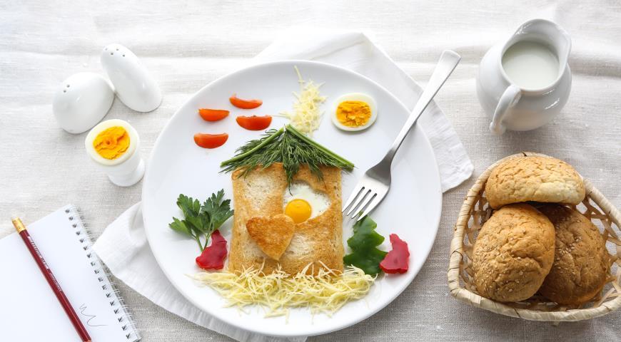 Рецепт Гренка с перепелиным яйцом и овощами