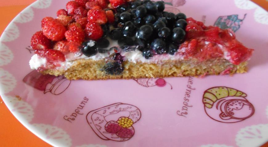 Рецепт Шарлотка-пирог с лесными ягодами