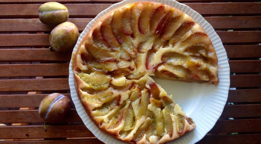 Рецепт Сливовый пирог-перевертыш