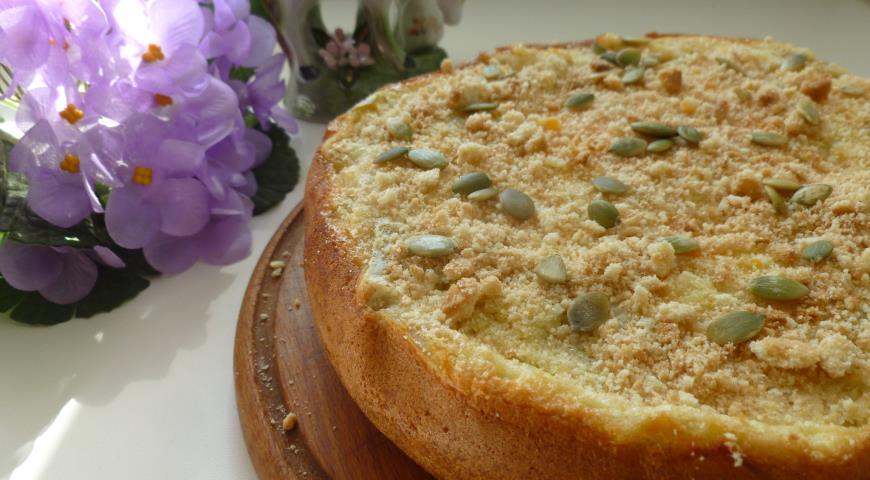 Рецепт Шарлотка с тыквой и печеньем