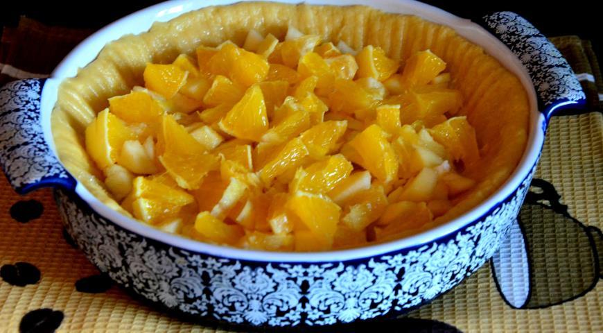 Шарлотка с яблоками и апельсином. Шаг 3