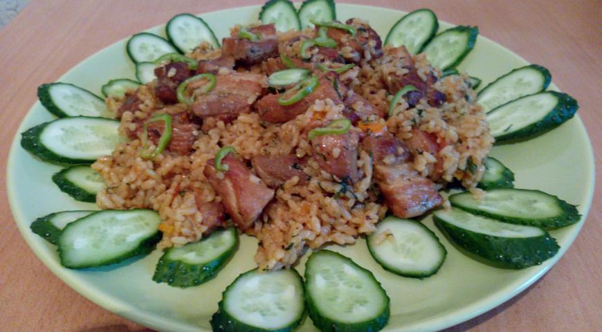Рецепт Плов из круглозерного риса со свиной грудинкой и овощами