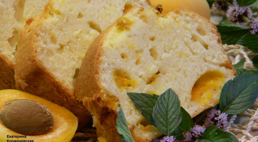 Рецепт Шарлотка с абрикосами и сливами.