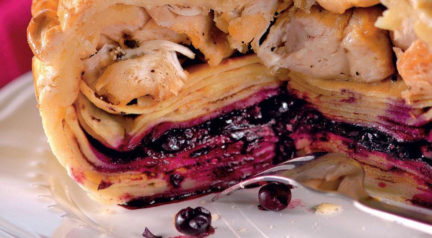 Рецепт Пирог на сливках, с курицей и смородиной