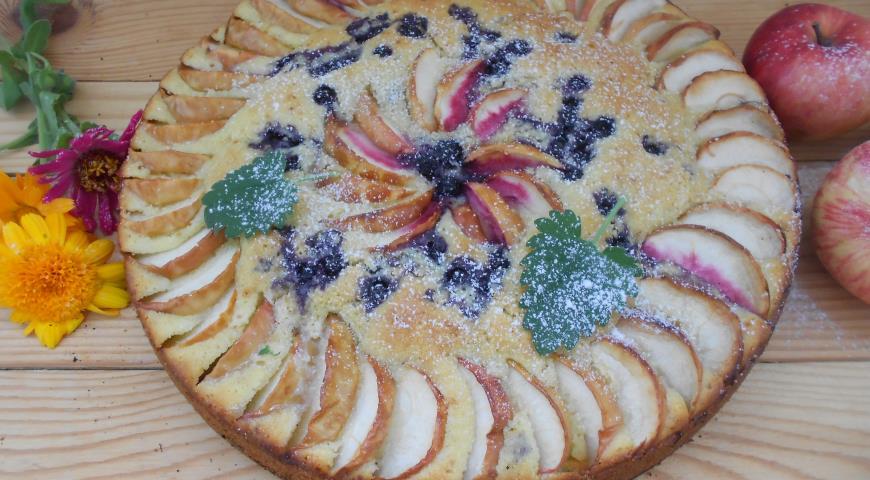 Рецепт Чернично-яблочная шарлотка