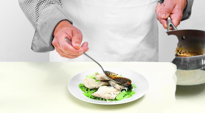 Морской окунь на пару сострым соусом, пошаговый рецепт с фото
