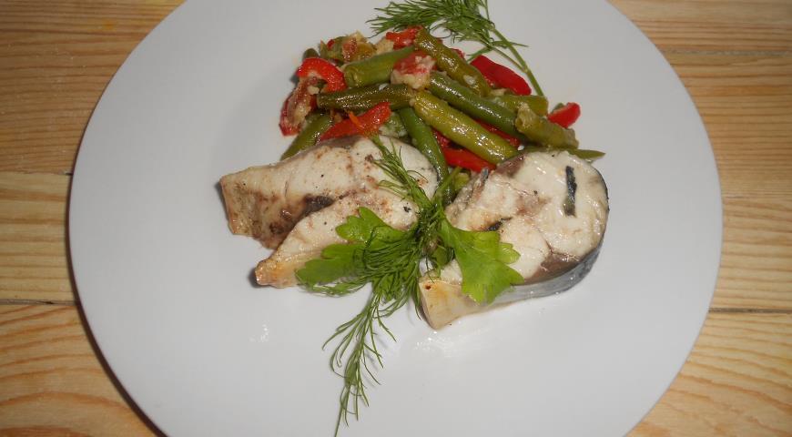 Рецепт Скумбрия на пару с овощами и сыром