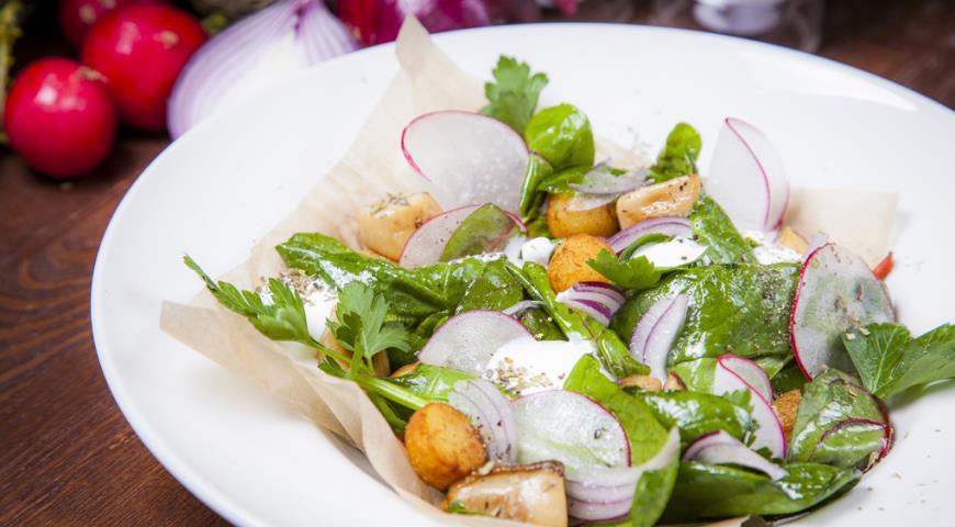 Рецепт Теплый салат с белыми грибами и запеченным картофелем