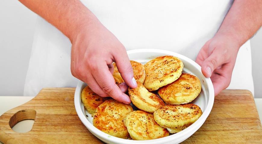 Сырники, запеченные со сметаной. Шаг 4