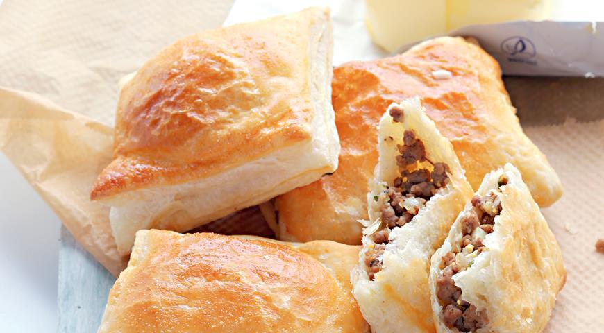 Рецепт Слоеные пирожки с бараниной