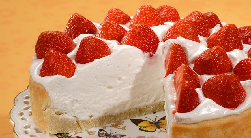 фото торт с клубникой