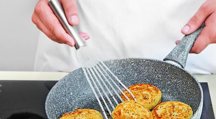 Сырники, запеченные со сметаной. Шаг 3