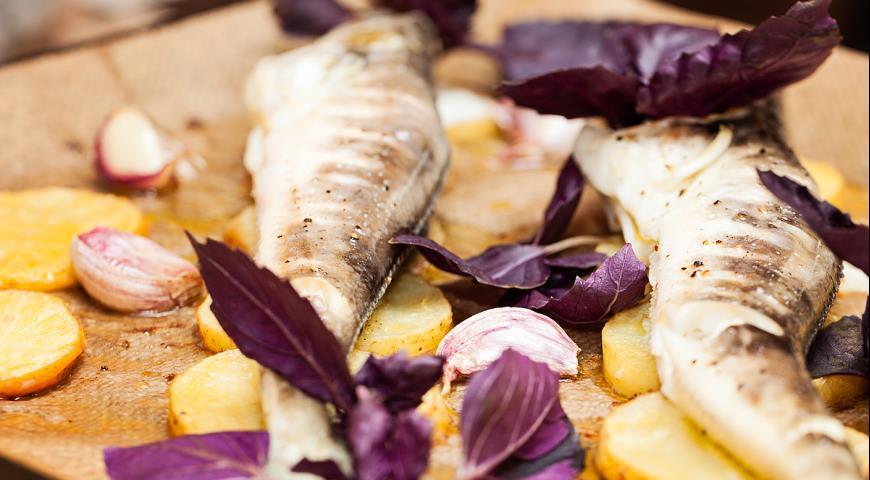 Рецепт Ледяная рыба, запеченная с картофелем и чесноком