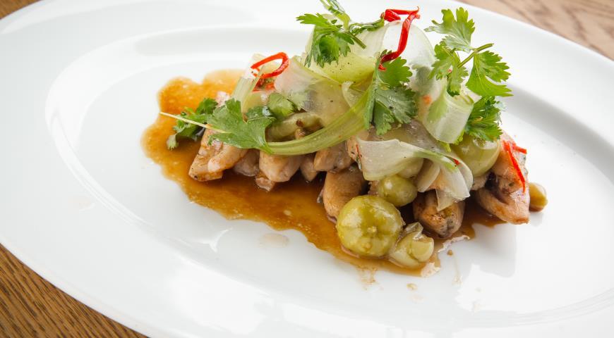 Рецепт Бедрышки куриные с соусом из крыжовника