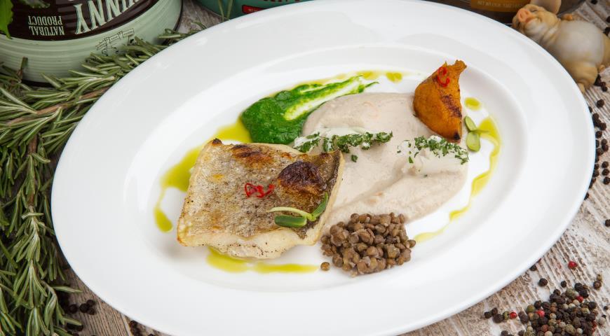Рецепт Филе трески с соусом из ванили и цветной капусты с печеной тыквой