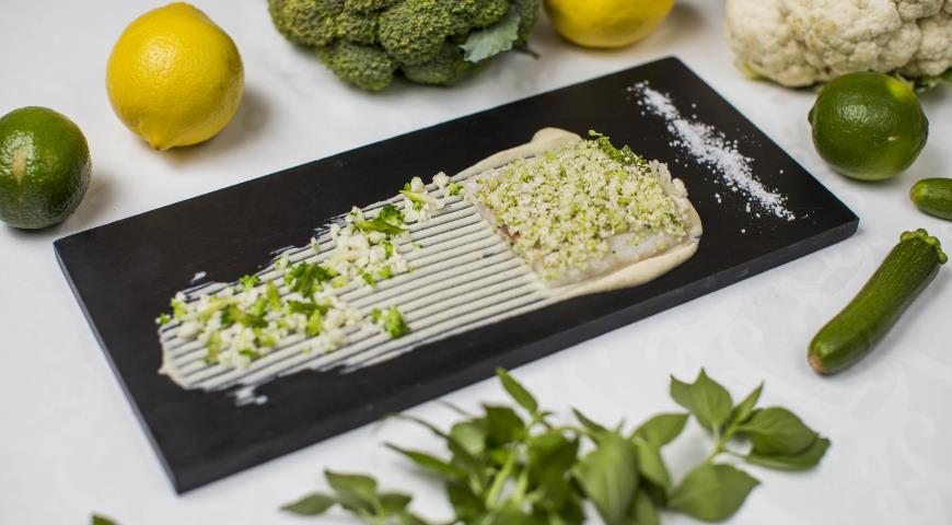 Сибас с пюре из цветной капусты