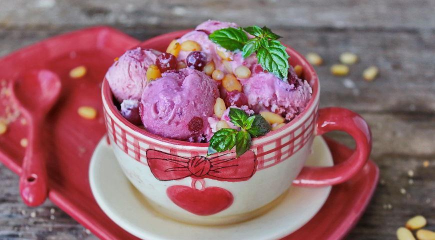 Рецепт Домашнее мороженое из свеклы с клюквой, апельсином и кленовым сиропом