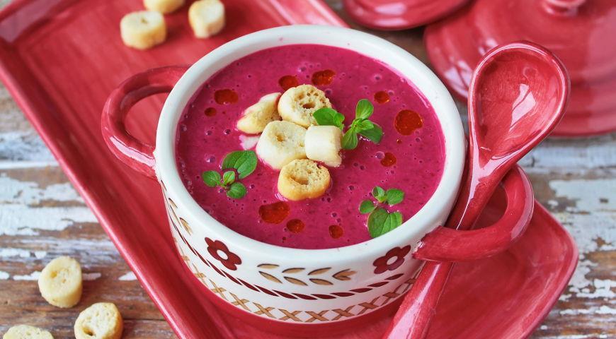 Рецепт Суп-пюре из запеченной свеклы с простоквашей и хреном