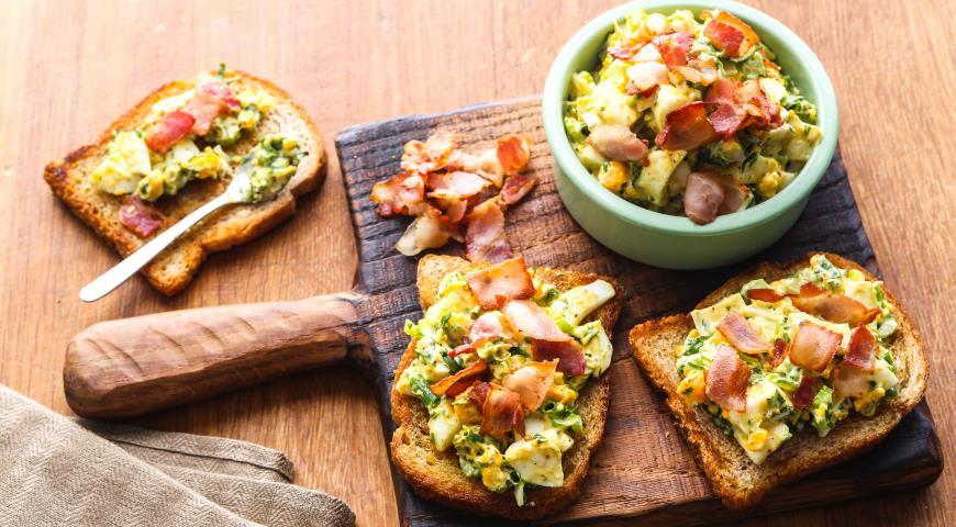 Рецепт Яичный салат с беконом