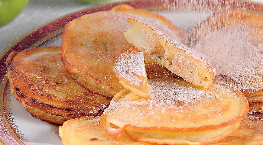 Рецепт Яблочные оладьи с ванильным кремом