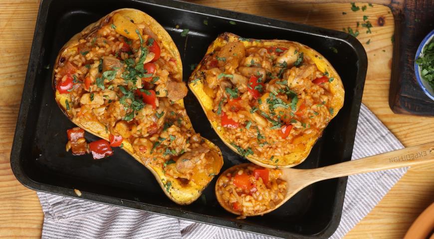 Рецепт Запеченная тыква с курицей и рисом