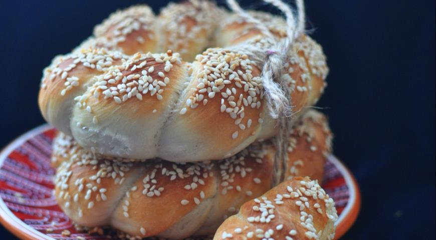Рецепт Simit — Турецкие бублики с кунжутом