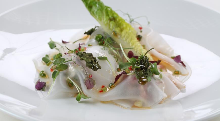 Рецепт Тартар из тунца с авокадо под рисовой бумагой и соусом юдзу