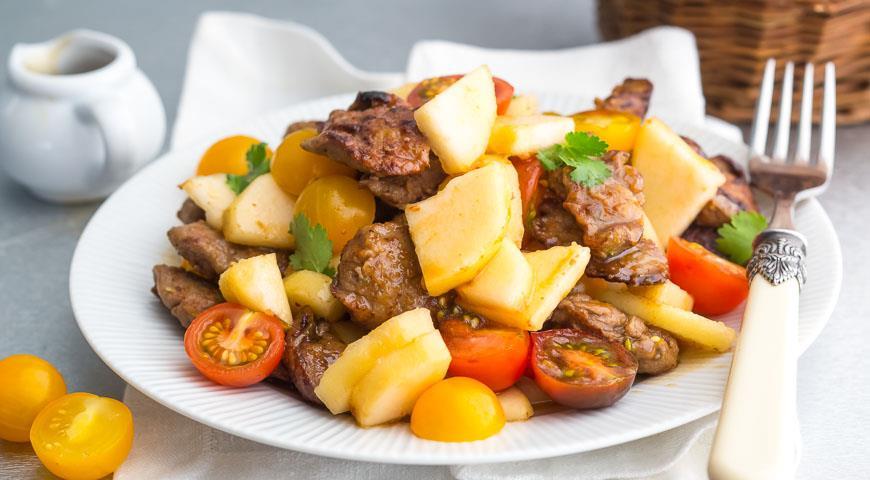 Рецепт Салат с печенью и грушей