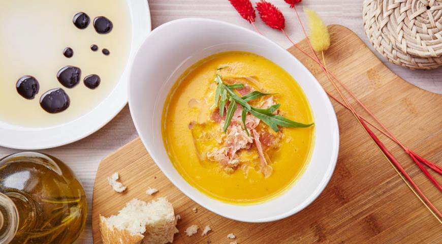 Рецепт Тыквенный суп со стружкой из пармской ветчины и трюфельным маслом