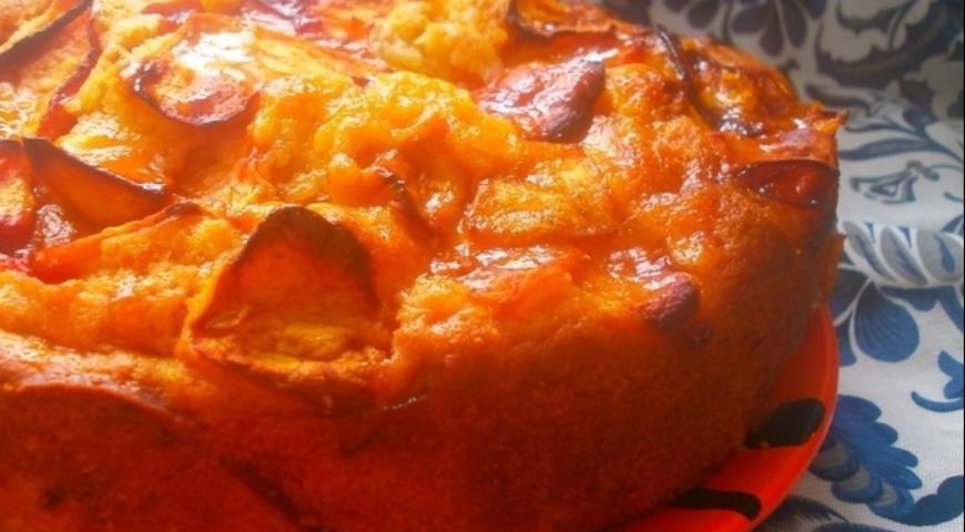 Рецепт Яблочный пирог со сливами