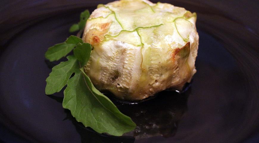 Рецепт Тимбаль из кабачка, фаршированный сезонными овощами и брусничным соусом