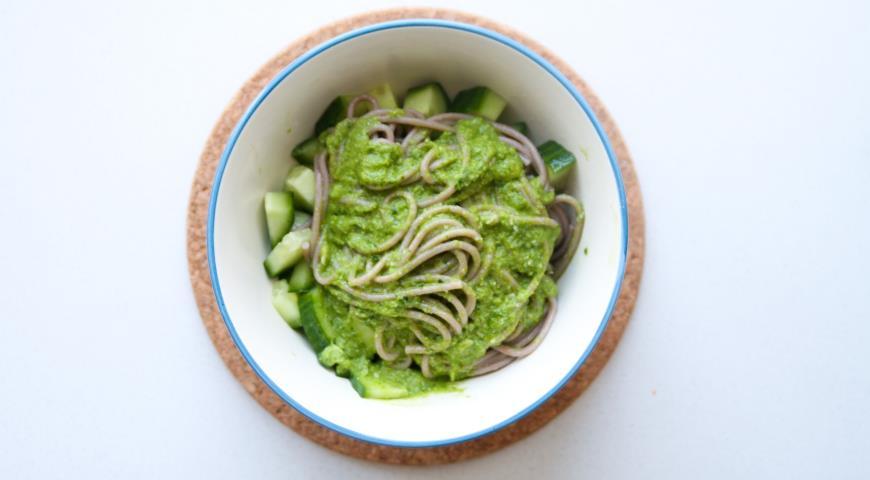 Рецепт Лапша соба с зеленым соусом