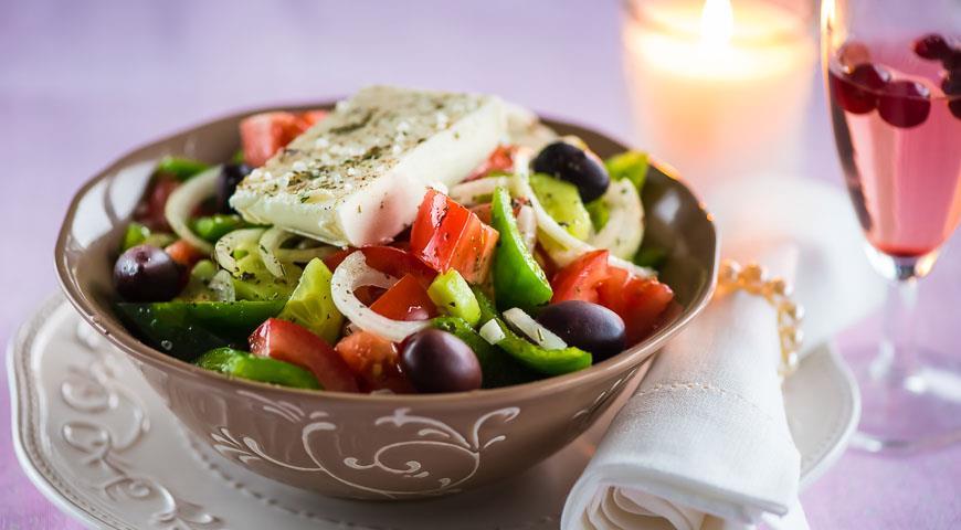 Сыр фета салаты с ним