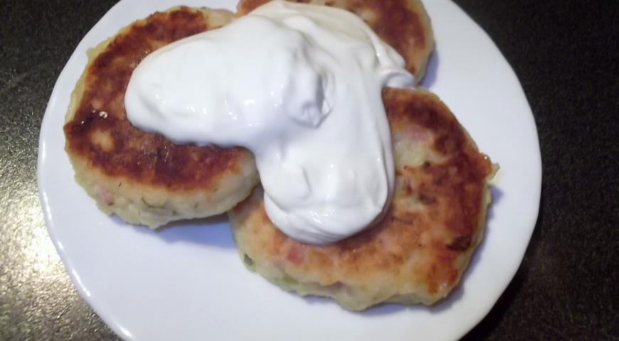 Рецепт Биточки с ветчиной и сыром