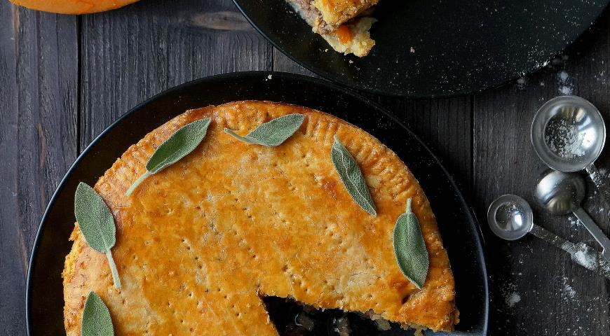 Рецепт Пирог из сырного теста с говядиной и тыквой