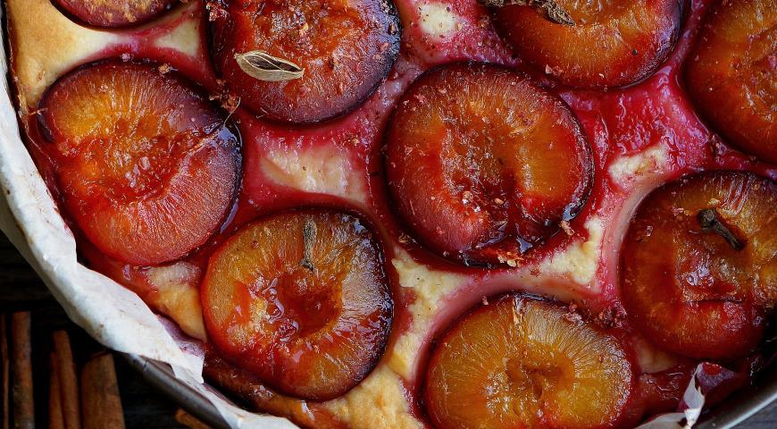 Рецепт Творожный пирог/запеканка с сочными сливами
