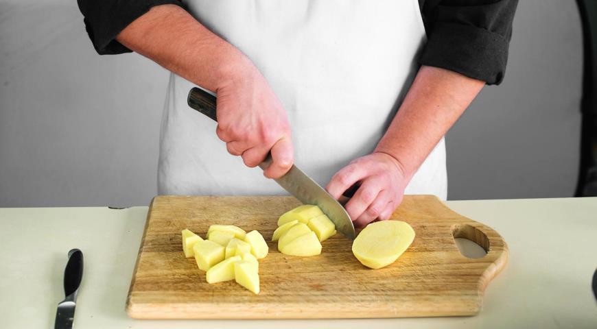 Фото приготовления рецепта: Рагу из говядины с овощами, шаг №3