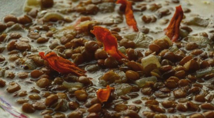 Рецепт Чечевичная похлебка с морковными чипсами