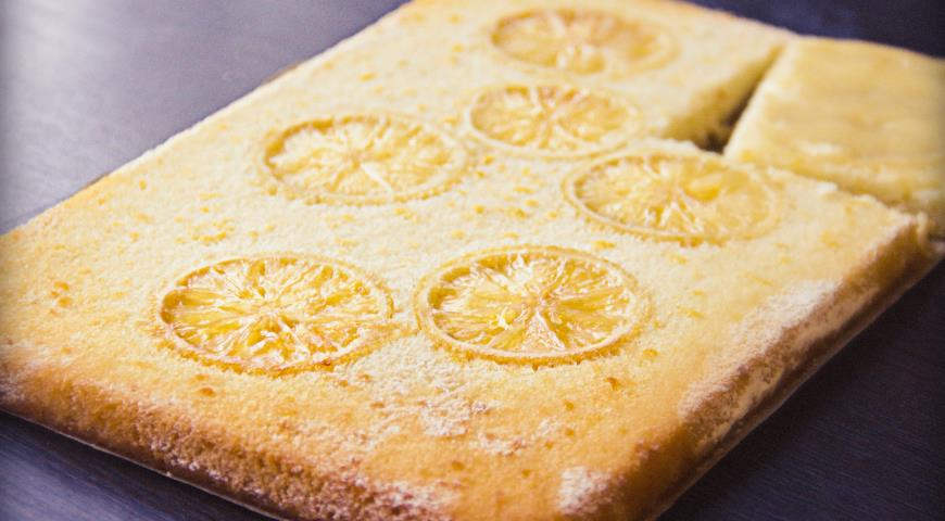 Рецепт Лимонный пирог с кремом и ароматным сиропом