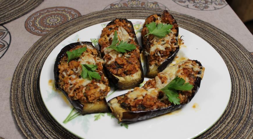 Рецепт Баклажаны фаршированные телятиной с мягким сыром