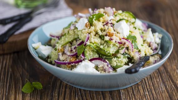 Салат из кускуса согурцами и фетой
