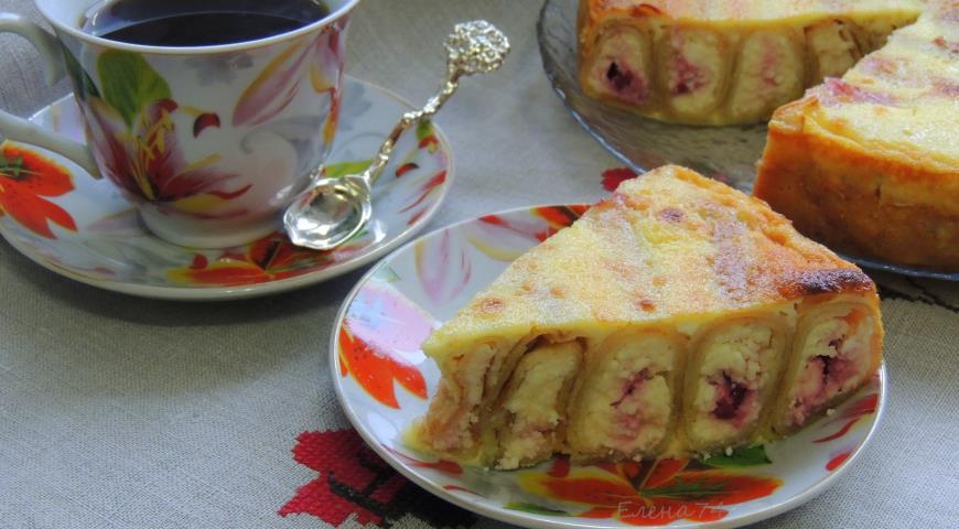 Рецепт Блинный пирог с творогом и вишней