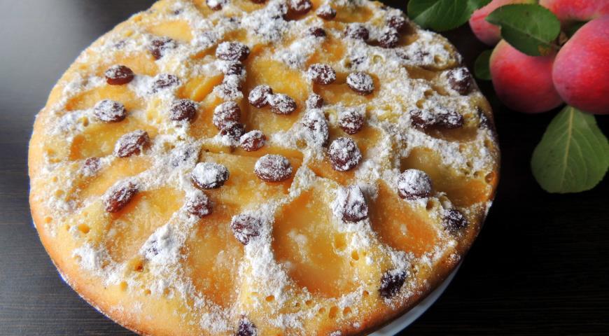 Рецепт Пирог с яблоками и изюмом