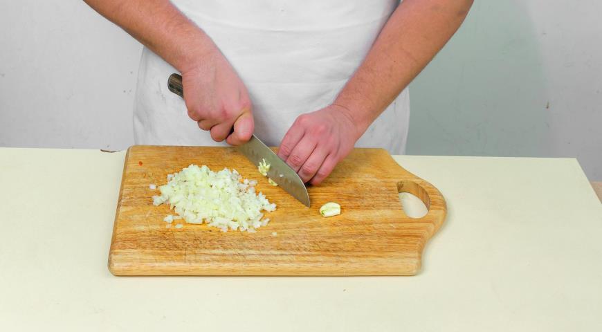 Томатний суп з горбушею і оливками
