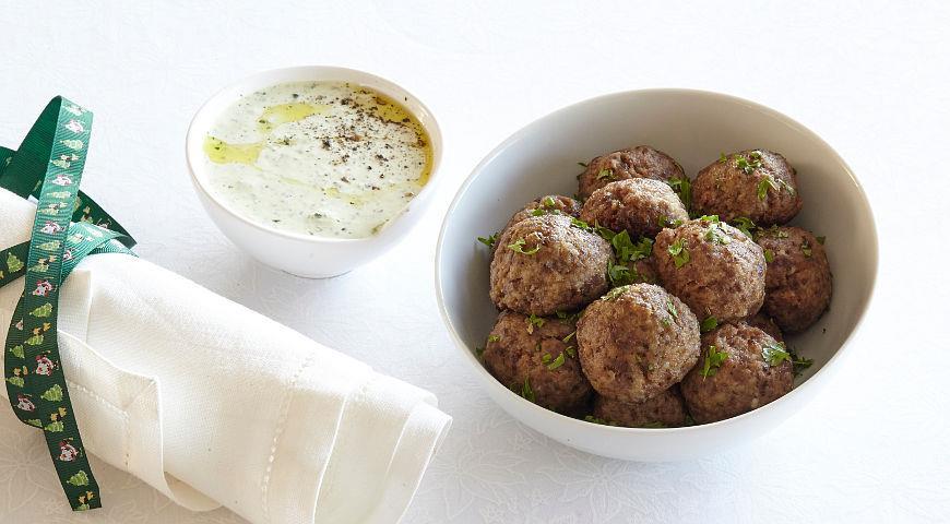 Рецепт Фрикадельки из баранины с йогуртовым соусом