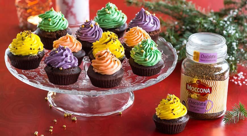 Рецепт Кофейно-шоколадные капкейки с разноцветным кремом