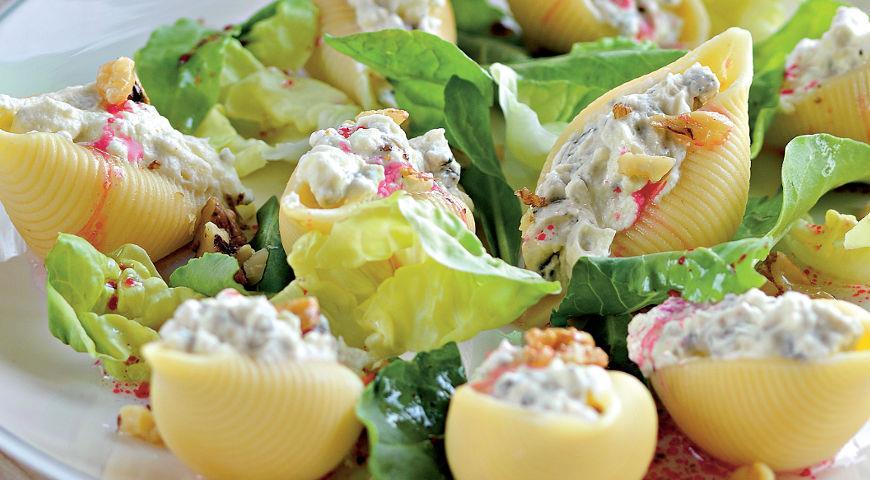 Рецепт «Ракушки», фаршированные сыром и орехами