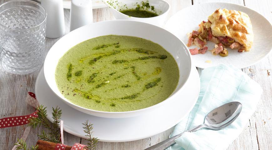 Рецепт Быстрый суп из горошка и шпината с песто