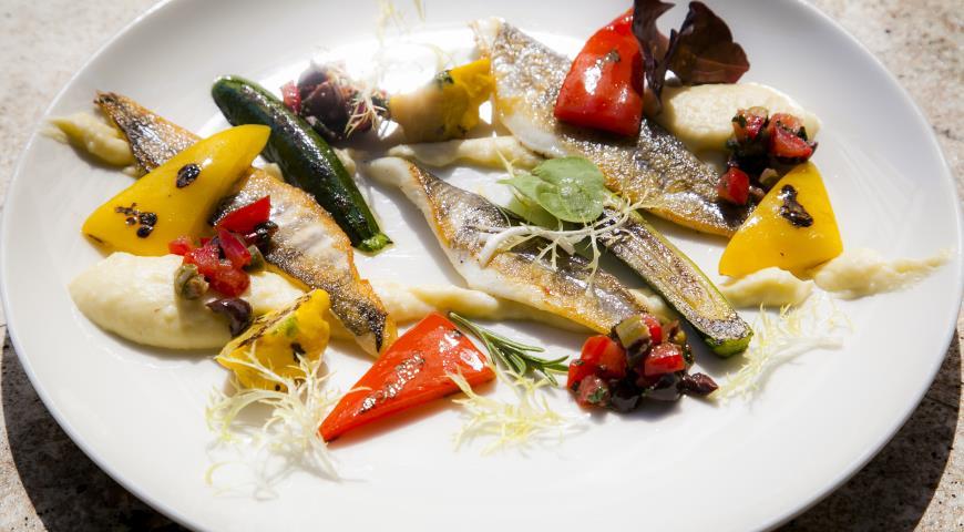 Рецепт Филе ледяной рыбы c пюре и овощами