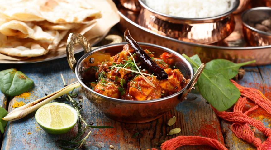 Рецепт Мург карай, филе цыпленка с соусом карри и овощами